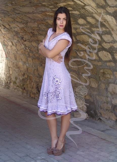 Вязаное платье «Анна» в стиле ампир, украшенное вышивкой от Зои Вулвич, вязание на заказ, готовое вязаное платье